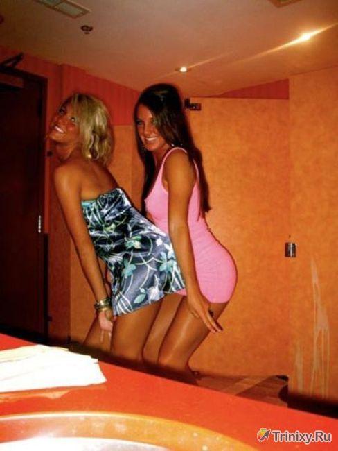 Стройные девушки в обтягивающих платьях (59 фото)