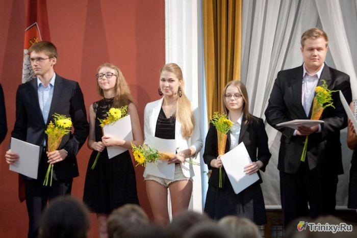 Самая прилежная ученица Вильнюса (3 фото)