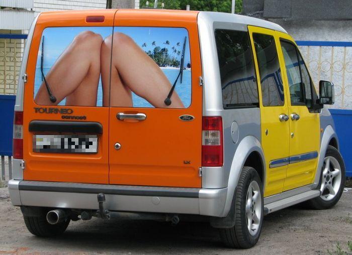 Креативное оформление микроавтобуса (3 фото)