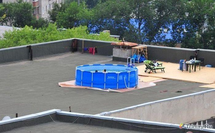 Креативное место для отдыха на крыше офисного здания (2 фото)