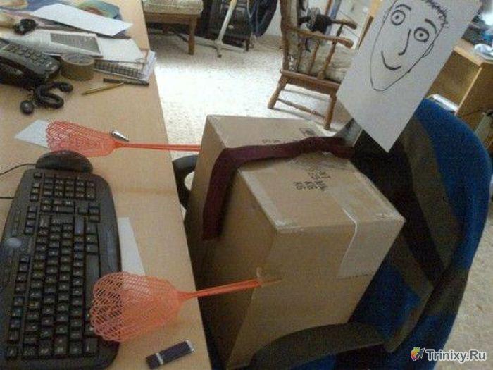 Приколы на рабочем месте. Часть 2 (32 фото)