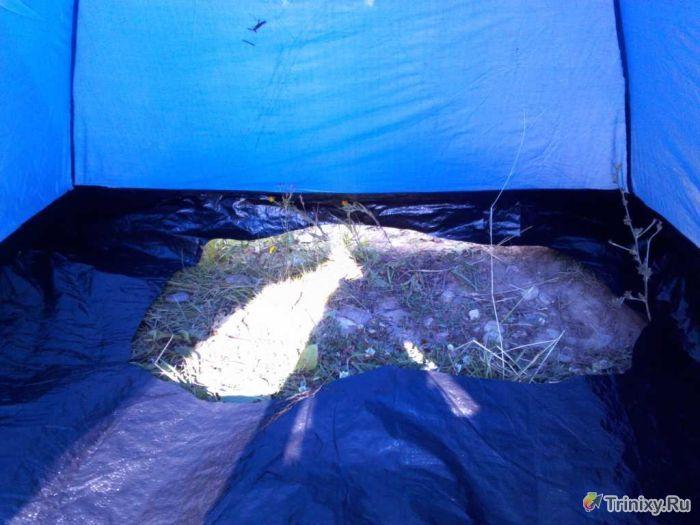 Делаем баню на берегу реки из подручных средств (10 фото) .
