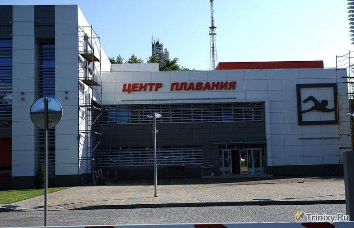 Новый плавательный бассейн за 250 млн рублей развалился на глазах (12 фото)