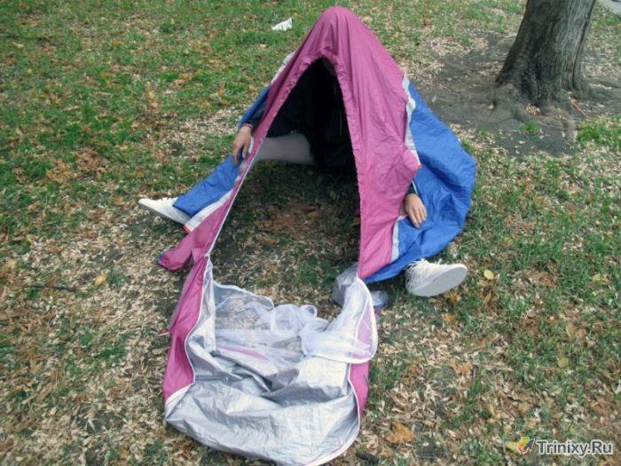 Уникальные кроссовки-палатка (10 фото)