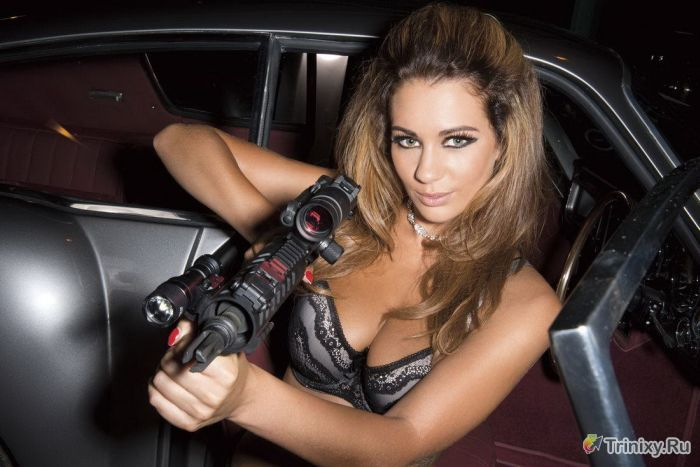 """За кулисами съемок эротического календаря """"Hot Shots 2014"""" (36 фото)"""
