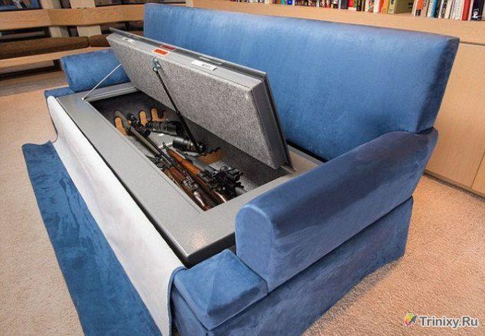Необычный диван с секретом (6 фото)
