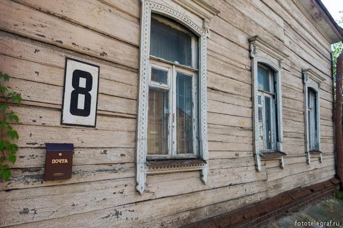 Заброшенная улица в центре столицы России (22 фото)