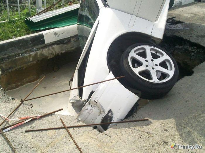 Неудачное завершение дрифта на парковке (9 фото + видео)