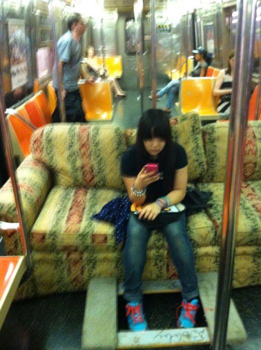 Фрики и странне люди из метро (83 фото)