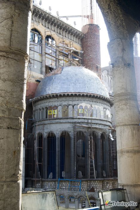 Испанский храм из мусора (34 фото)