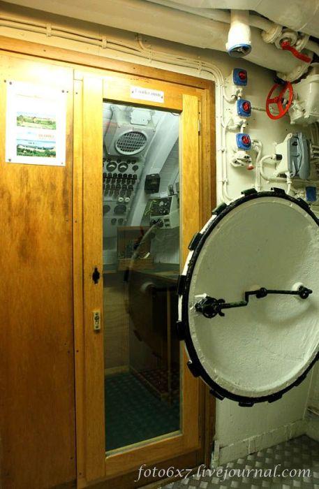 Фотоэкскурсия по подводной лодке U-995 (44 фото)