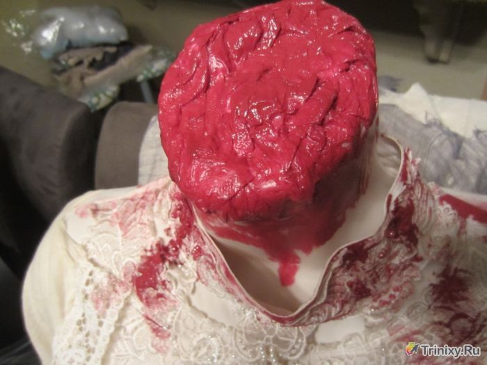 Делаем хоррор-костюм на Хэллоуин (17 фото)
