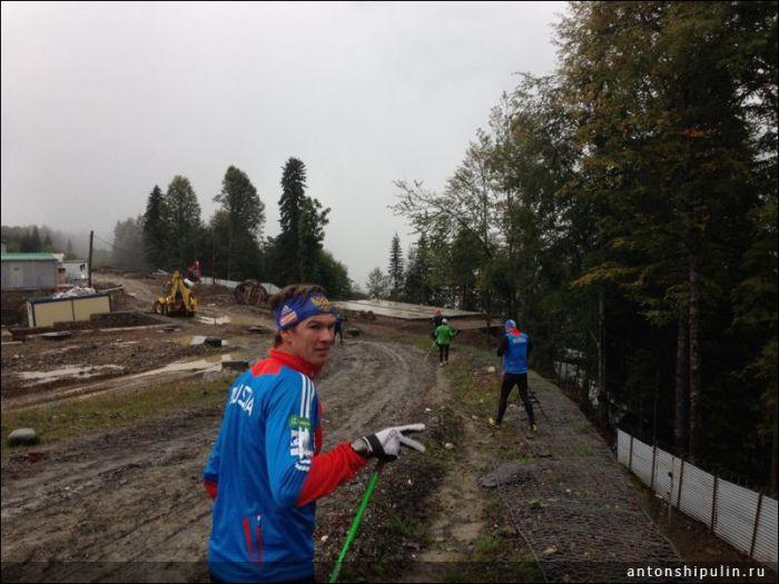 Суровая подготовка биатлонистов в Сочи (5 фото)