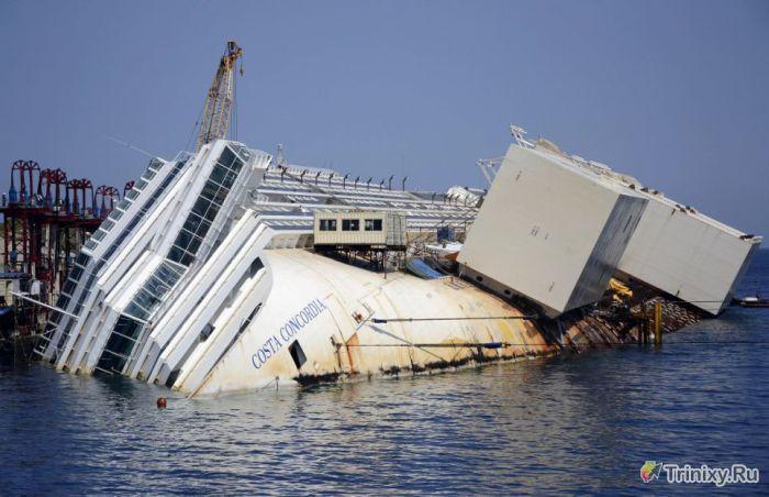 """Подъем лайнера """"Коста Конкордия"""" (15 фото)"""