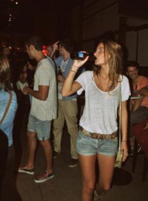 Девушки и пиво (44 фото)