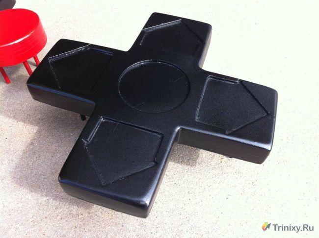 Кофейный столик в виде джойстика от видеоприставки (54 фото)
