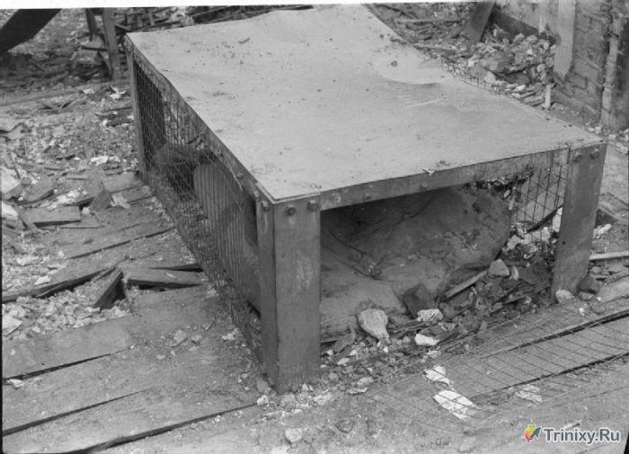 Кровать, защищающая от бомбёжки во время Второй Мировой (11 фото)