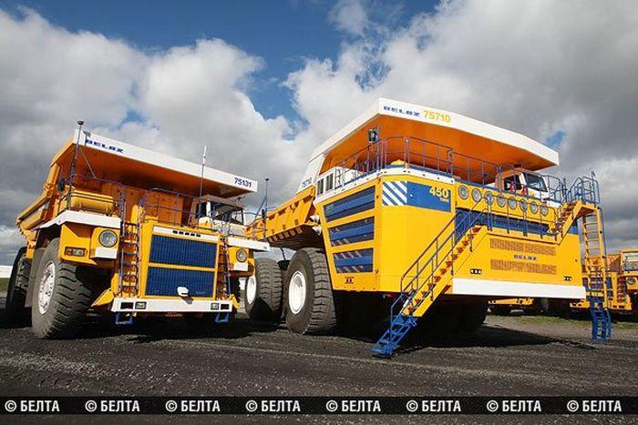 450 Tonluk Dev Damperli Kamyon BelAZ-75710 (12 Fotograf)