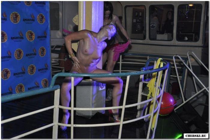 """Конкурс """"Мокрая Майка 2013"""" (76 фото)"""