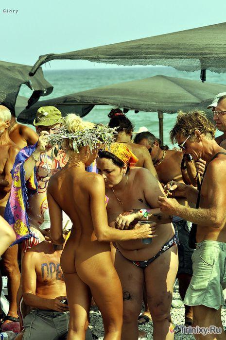 Коктебель 2013 - рай для нудистов (27 фото)