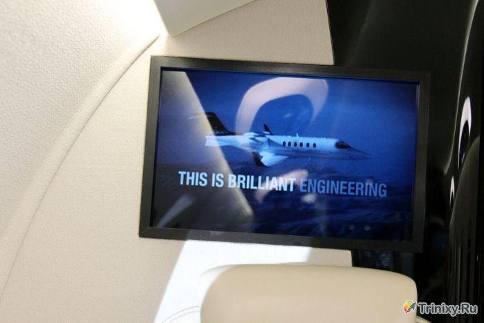 Шикарный интерьер самолета Learjet 85 (21 фото)