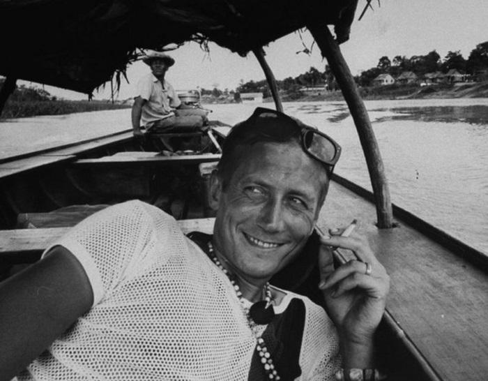 Редкие архивные кадры из жизни знаменитых писателей и поэтов (25 фото)