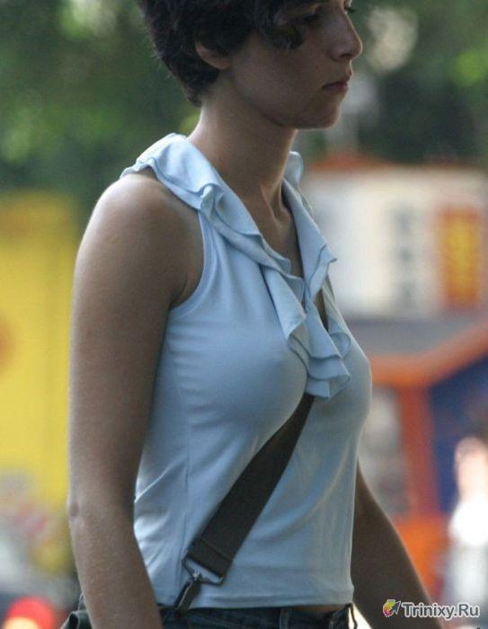 Девушки, которые носят сумки через плечо (25 фото)