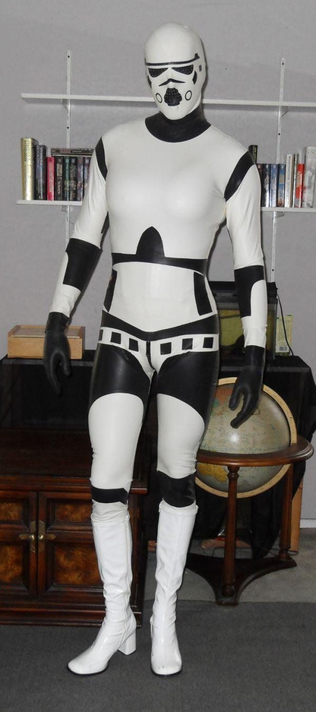Необычный костюм штурмовика на хэллоуин (8 фото)