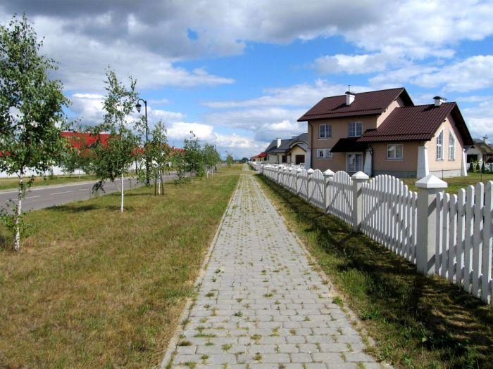 Жизнь в простом белорусском коттеджном городке (14 фото)