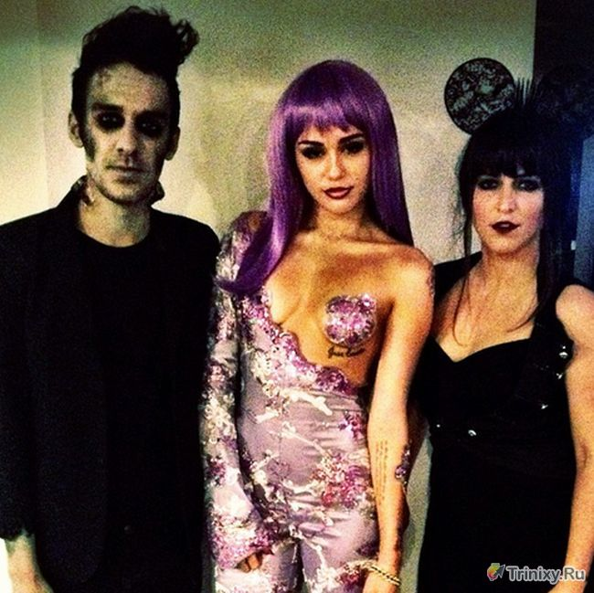 Откровенный костюм Майли Сайрус на хэллоуин (5 фото)