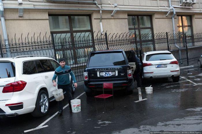 Скромные владельцы дорогих автомобилей (11 фото)