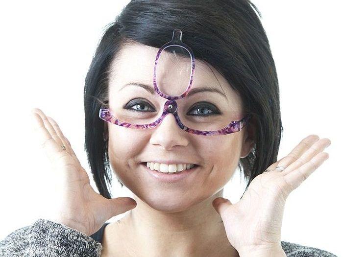 Загадка дня: необычные очки (3 фото)