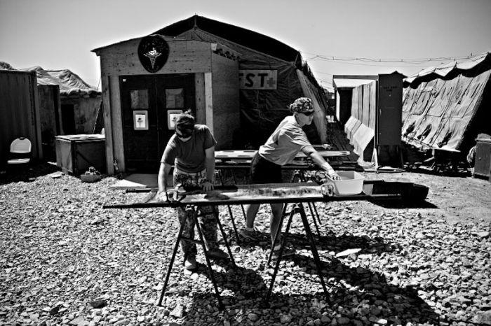 Медики на войне в Афганистане (35 фото)