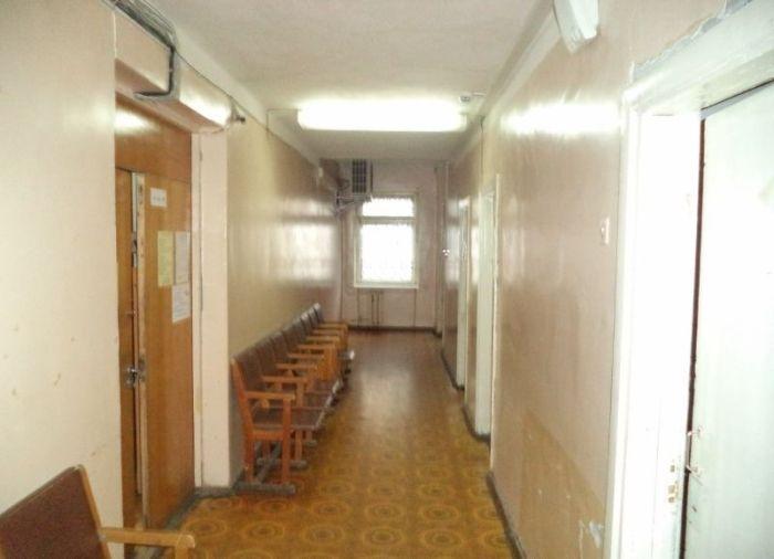 Как в госучреждениях устанавливают кондиционеры (2 фото)