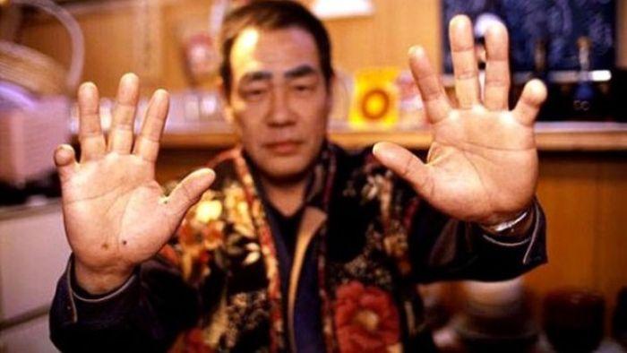 10 интригующих фактов о японской преступной группировке Якудза (10 фото)