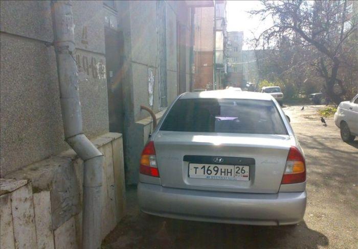 """Обнаглевший водитель или """"как не нужно парковаться"""" (5 фото)"""
