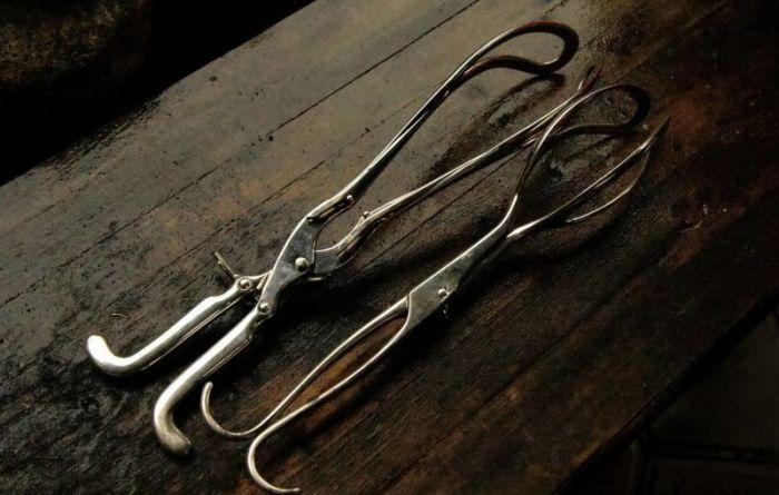 Жуткие инструменты гинекологов начала прошлого века (15 фото)