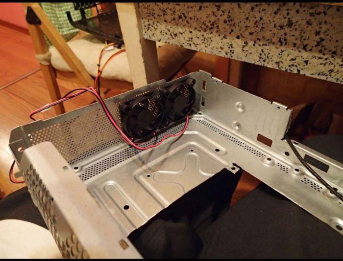 Настольный ПК в корпусе от XboX 360 (14 фото)