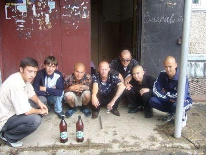 Активисты криминального арестантского уркаганского единства (22 фото)