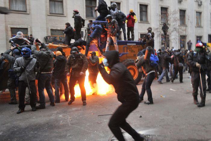 Кадры протеста на Площади Независимости в центре Киева (30 фото)