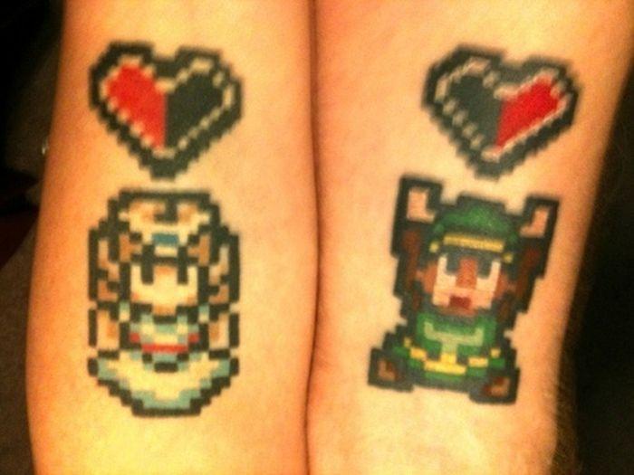 Необычные пиксельные татуировки (31 фото)