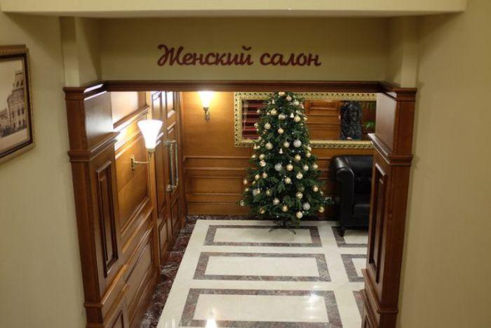 Необычный общественный туалет в Москве (8 фото)