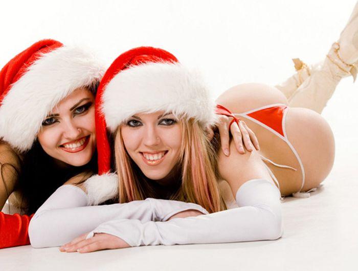 Сексуальные снегурочки (63 фото)
