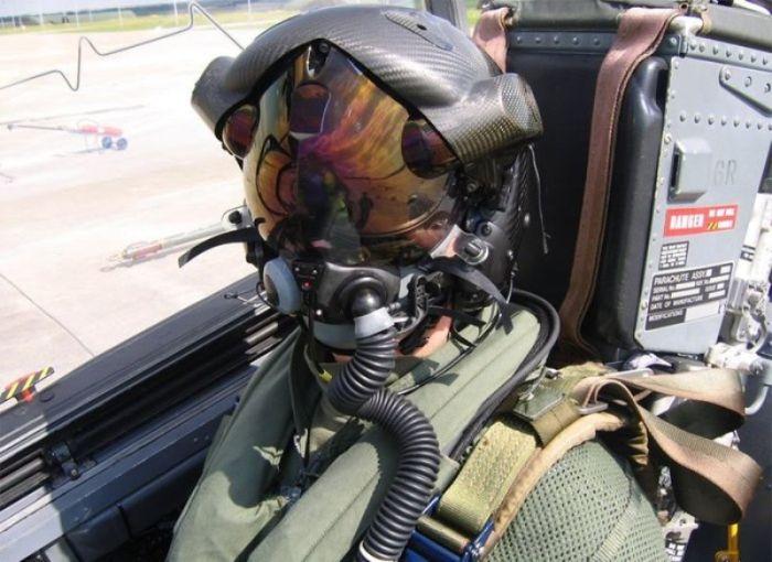"""Уникальный шлем """"Божий глаз"""" для пилотов истребителей F-35 (5 фото)"""