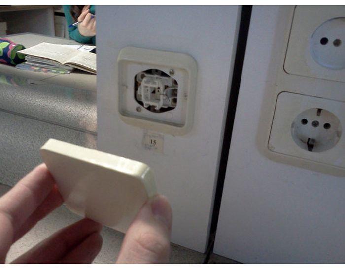 Выключатель с секретом (4 фото)