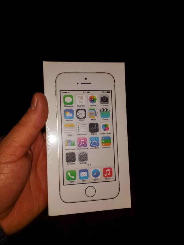Как надо дарить iPhone 5S на Новый Год (10 фото)