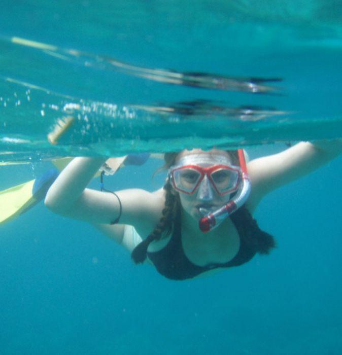 Оригинальные снимки девушек под водой (55 фото)