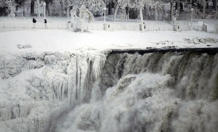 Amerika'da Niagara Şelalesi Dondu (5 Fotograf)