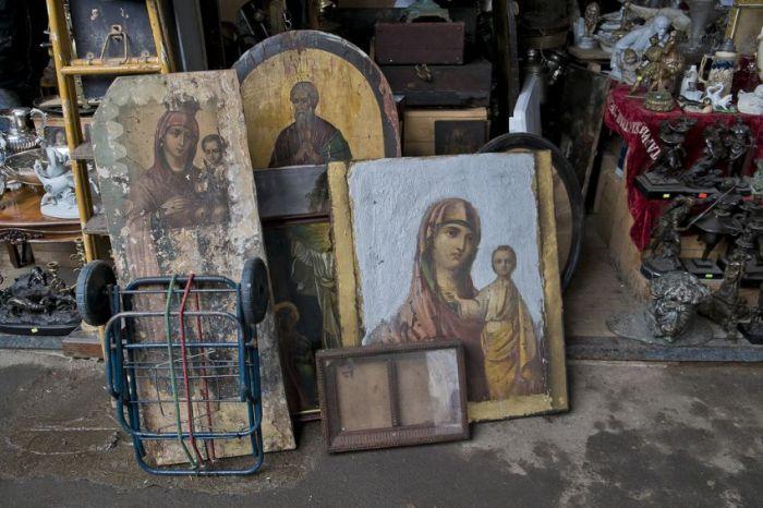 """Фотоэкскурсия по """"блошиному"""" рынку в Москве (48 фото)"""