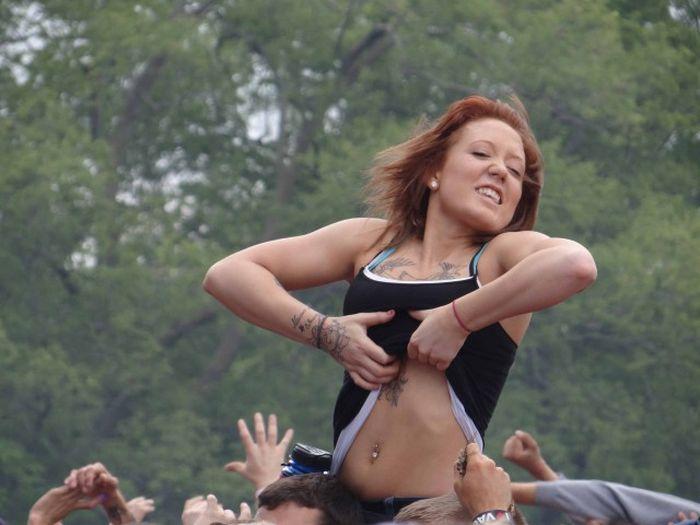 Подборка видео девушки показывают грудь 0 фотография
